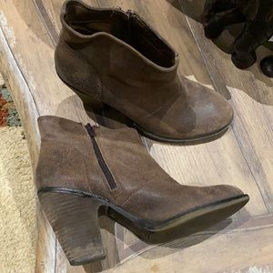 ❤️ Jessica Simpson Suede Ankle Boot ❤️
